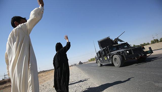 Иракские военные прибывают в первый квартал на южной окраине Киркука. 16 октября 2017.