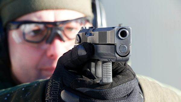 """Испытание на полигоне самозарядного пистолета """"Удав"""""""