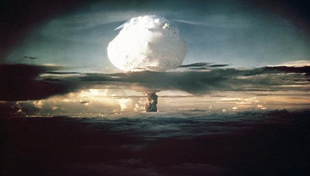 Испытание первой термоядерной бомбы США на атолле Эниветок. 1 ноября 1952.