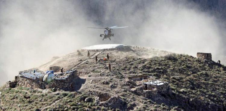 Испытания турецкого боевого вертолета AI Т129 ATAK в высокогорных условиях в Пакистане, с выполнением полетом на высоте 4200 метров, май 2016 года.