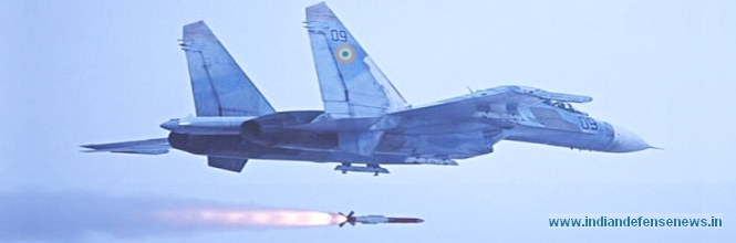 Испытательный пуск УР воздушного боя Astra c борта истребителя Су-30МКИ.