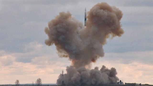 Испытание российского ракетного комплекса стратегического назначения с гиперзвуковым планирующим крылатым блоком