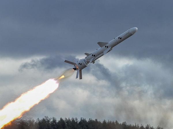 Испытания украинской крылатой ракеты.