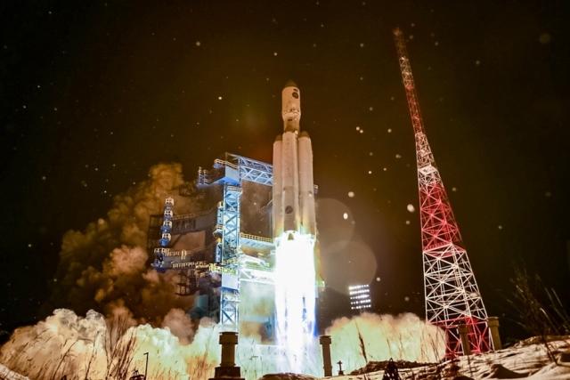 Испытательный пуск ракеты-носителя «Ангара-А5.2Л» на космодроме Плесецк 14 декабря 2020 года. МО РФ