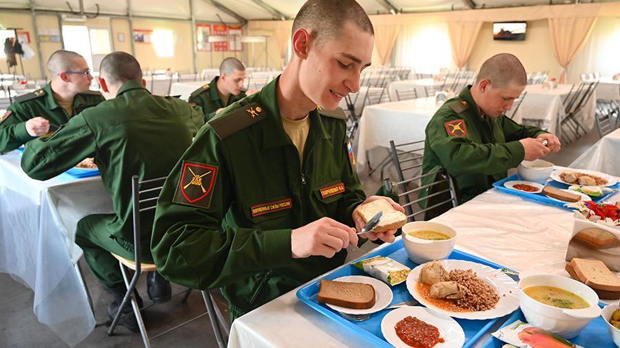 Исследования показали рост удовлетворенности условиями службы в армии