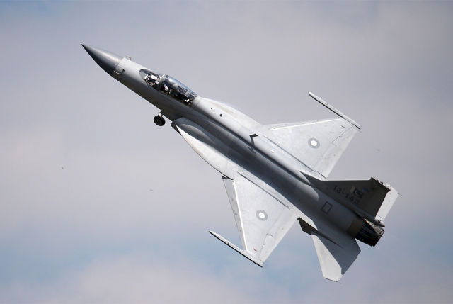 Истребитель JF-17 Thunder