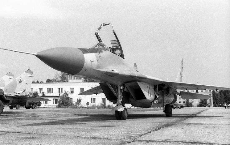 Истребитель МиГ-29, 1988 год.
