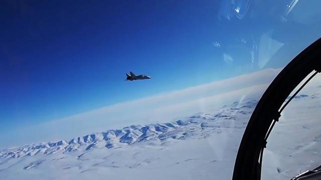 Истребитель МиГ-31 во время учений