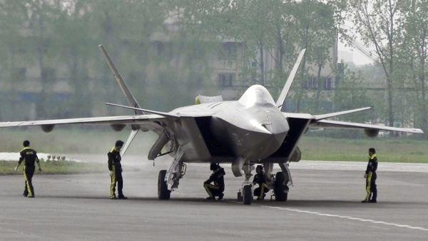 Истребитель Chengdu J-20.