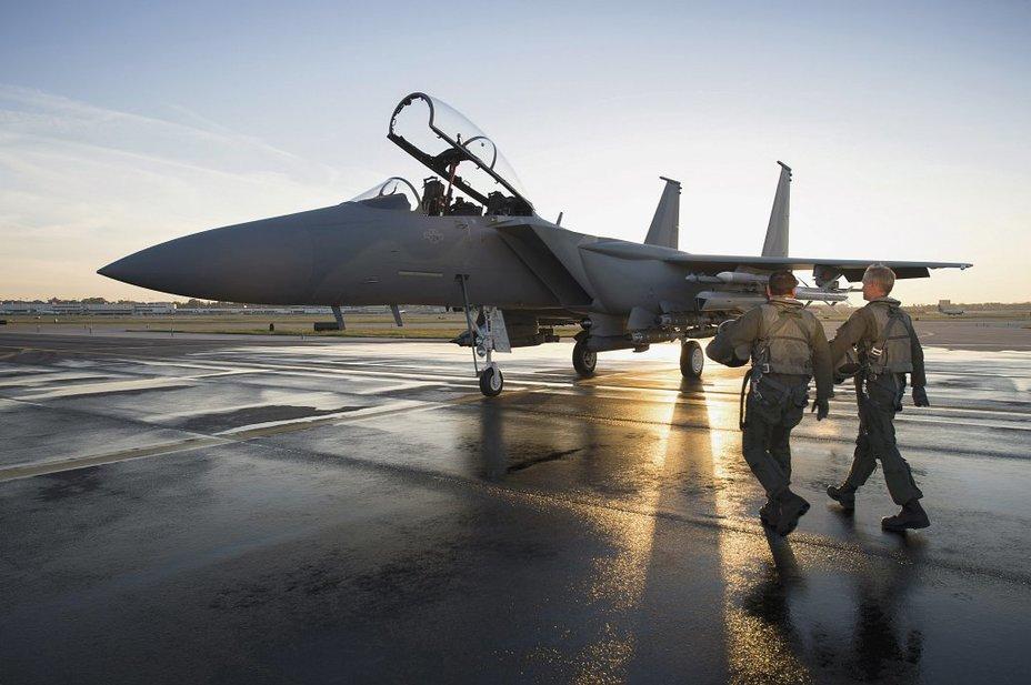 Истребитель F-15 Eagle.