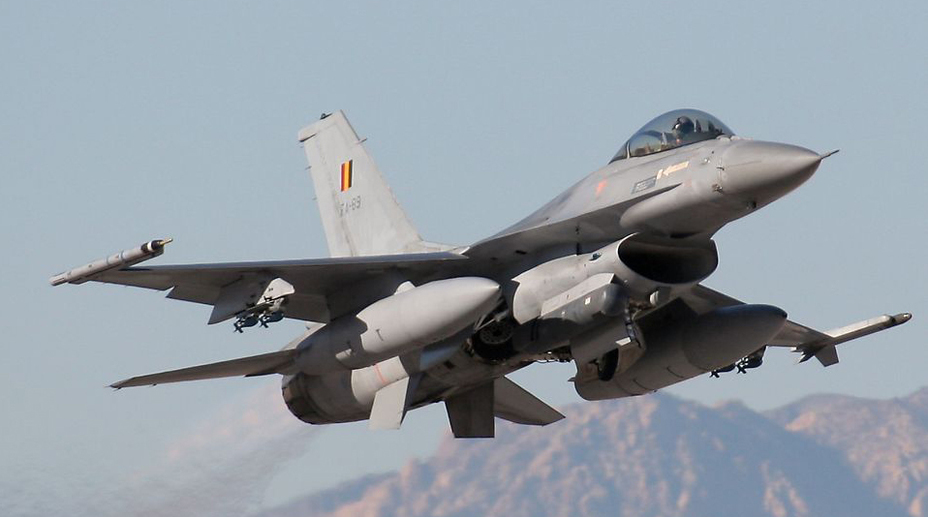 Истребитель F-16 бельгийских ВВС.