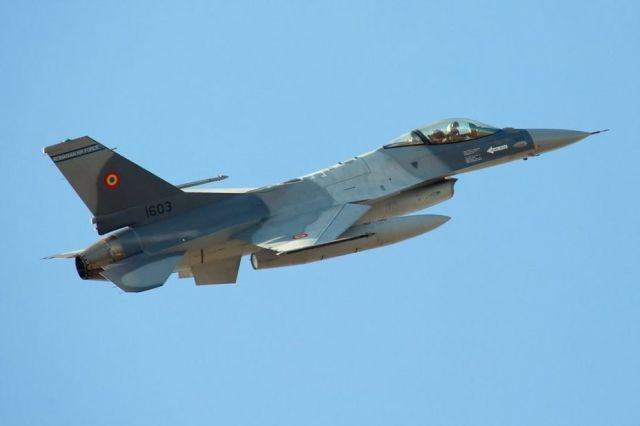 Истребитель F-16 ВВС Румынии.