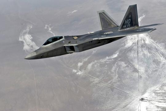 Истребитель F-22.