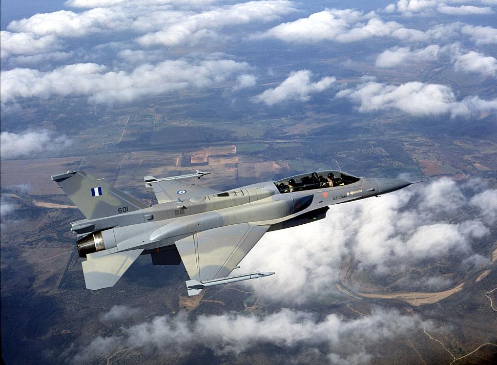 Истребитель Lockheed Martin F-16D Block 52+ (бортовой номер 601, американский военный номер 99-1535) ВВС Греции.