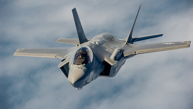 Американский истребитель Lockheed Martin F-35 Lightning II.