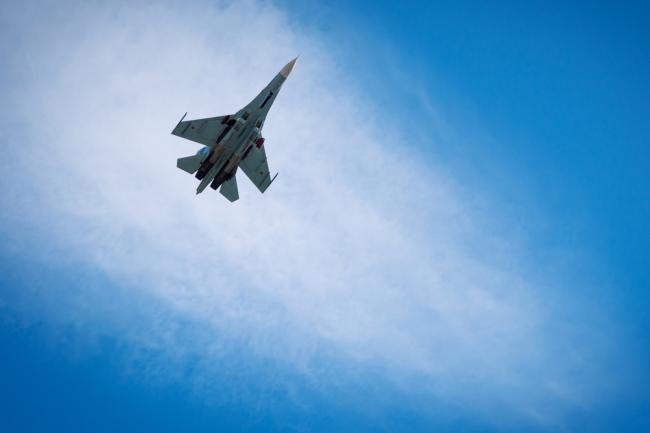 Истребитель Су-27.