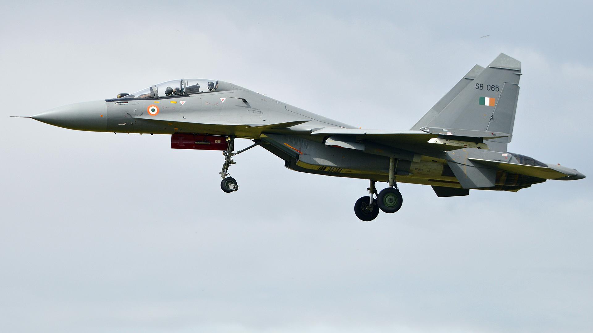 Истребитель Су-30МКИ.
