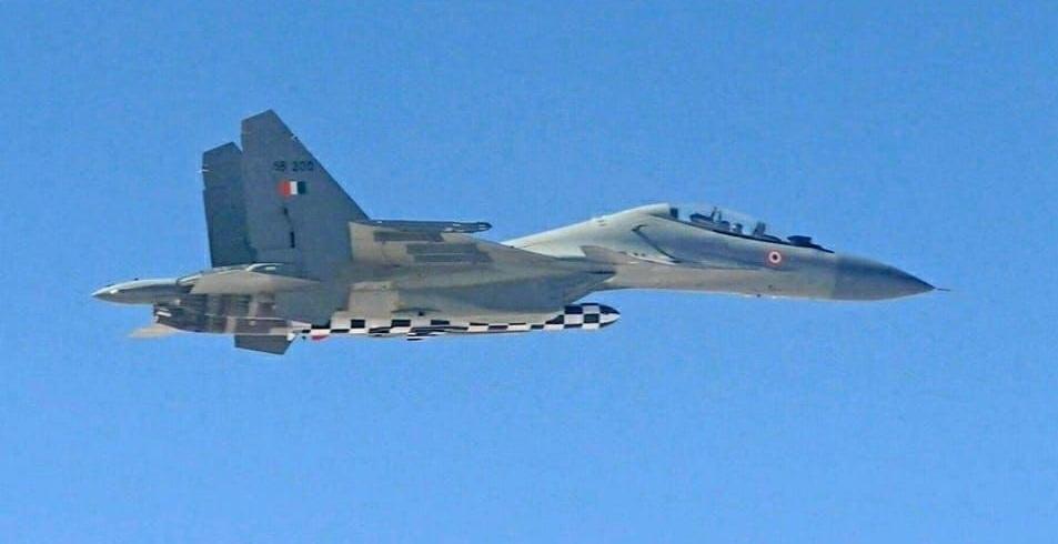 Истребитель Су-30МКИ ВВС Индии с КР BraMos-A.