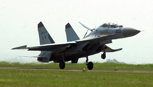 Истребитель Су-30МКИ. Архивное фото.