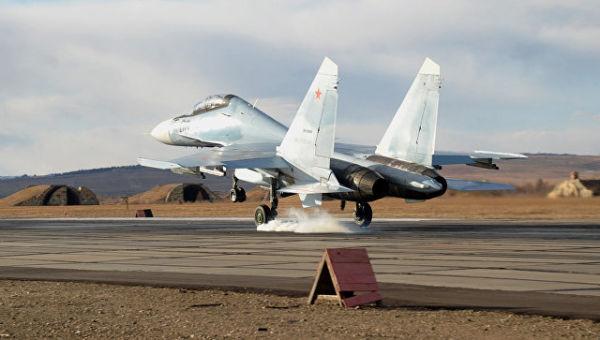Истребитель Су-30СМ во время учебно-тренировочного полета в Забайкальском крае. Архивное фото