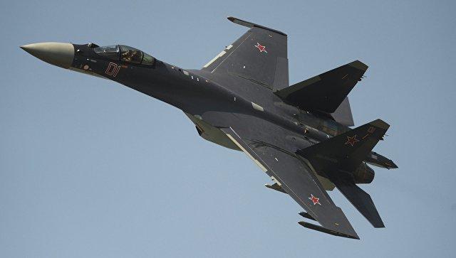 Истребитель СУ-35. Архивное фото.