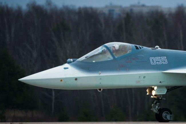 Истребитель Су-57.