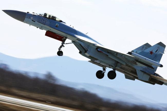 Истребителей Су-35.