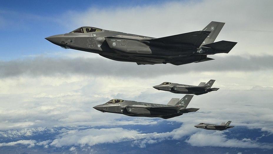 Истребители F-35 — одна из наиболее затратных статей американского военного бюджета.