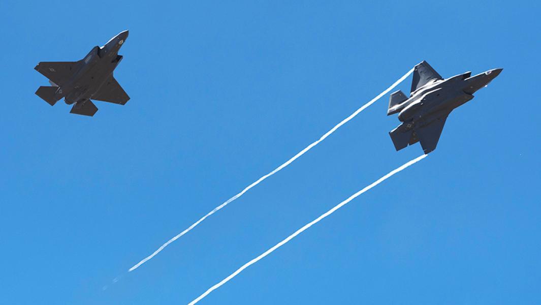 Истребители F-35A.