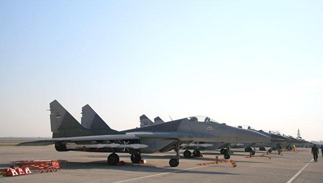 Переданные Россией Сербии истребители МиГ-29, аэродром Батайница в Сербии. 20 октября 2017.