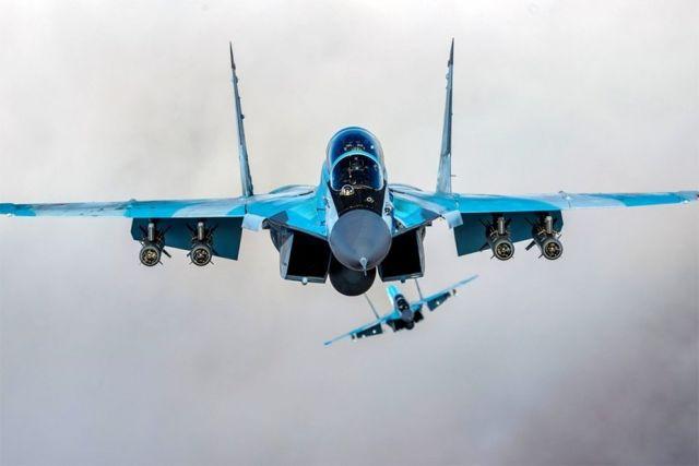 Истребители МиГ-35.