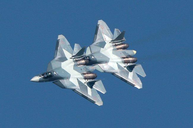 Истребители пятого поколения Су-57.