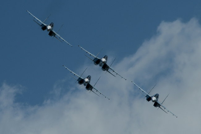 Истребители Су-30МКИ.