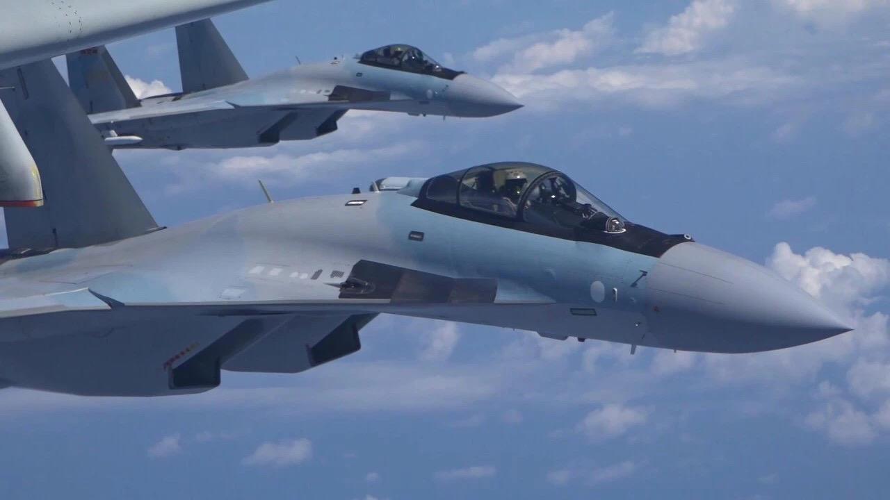 Истребители Су-35 ВВС НОАК.