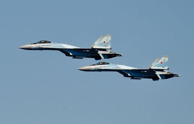 Истребители Су-35С.