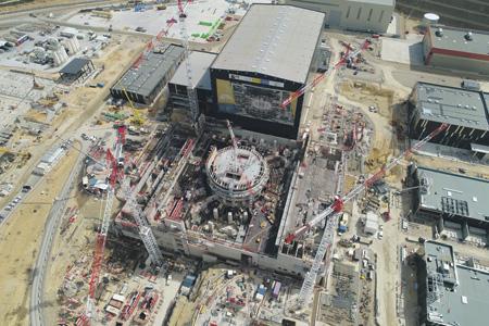 Работы по проекту международного экспериментального термоядерного реактора ИТЭР серьезно затянулись и выбились из бюджета. Фото с сайта www.iter.org.