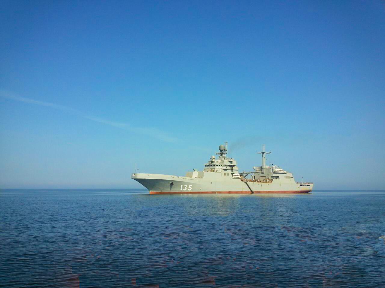 """Большой десантный корабль """"Иван Грен"""" проекта 11711 в Балтийском море на заводских ходовых испытаниях. 25.06.2016."""