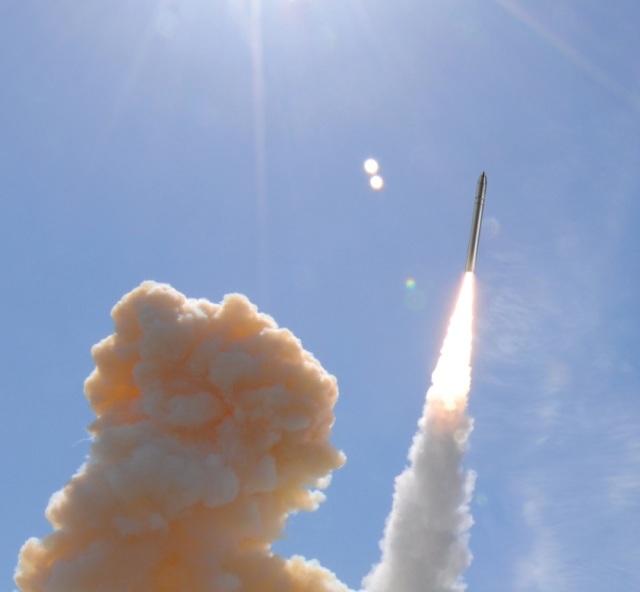 Изображение запуска перспективной американской наземной межконтинентальной баллистической ракеты по программе Ground Based Strategic Deterrent (GBSD)