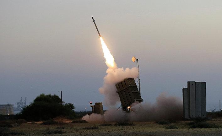 """Израильская система ПВО """"Железный купол""""."""