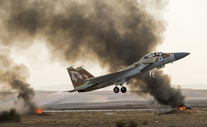 Израильский самолет-истребитель.