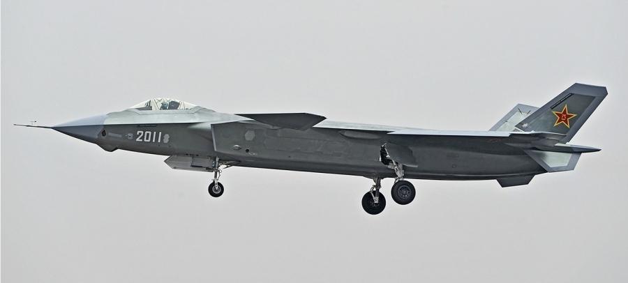 Первый полет самолета J-20 с бортовым номером «2011».