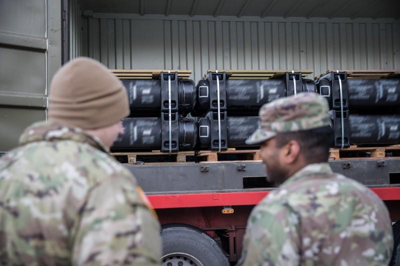 Первая партия доставленных в Эстонию из США модифицированных переносных противотанковых ракетных комплексов Javelin Block 1, 11.12.2017.