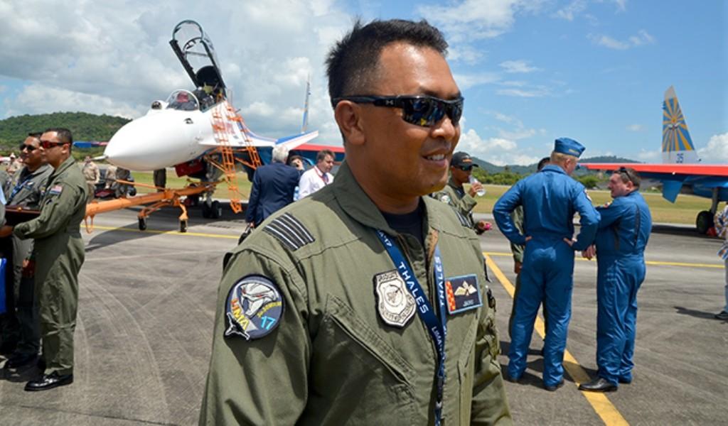JBorg Edros подполковник Военно-воздушных Сил Малайзии (RMAF), летчик Су-30МКМ.