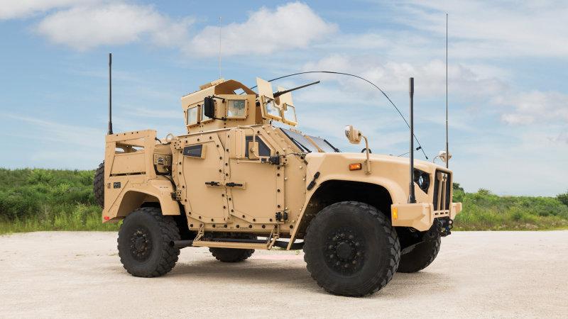 Легкий многоцелевой бронеавтомобиль JLTV (Joint Light Tactical Vehicle) компании Oshkosh.