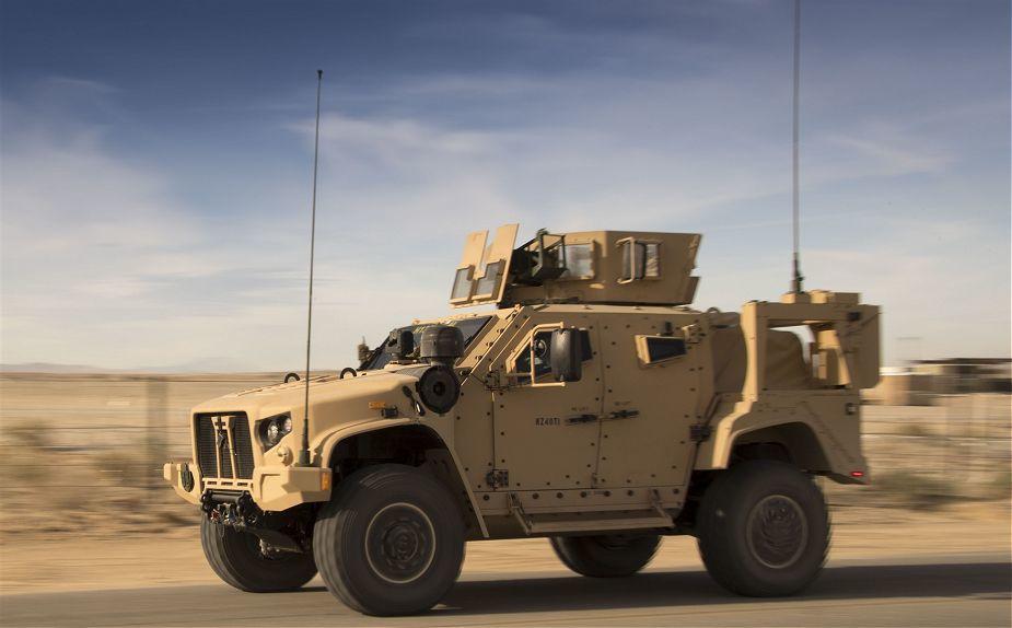 JLTV на испытаниях в учебном центре Корпуса морской пехоты Twentynine Palms.