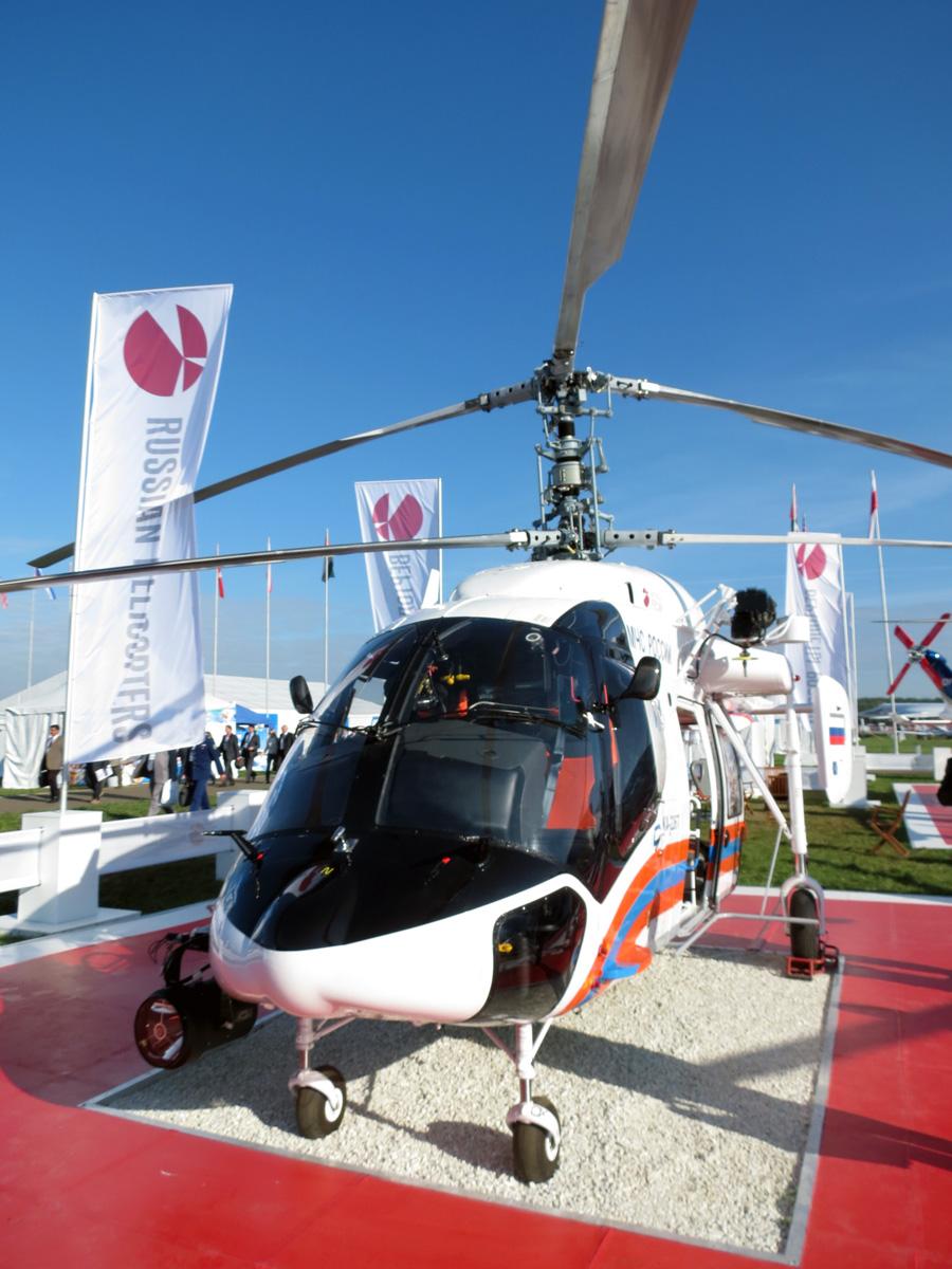 Легкий вертолет Ка-226Т в медицинском исполнении.