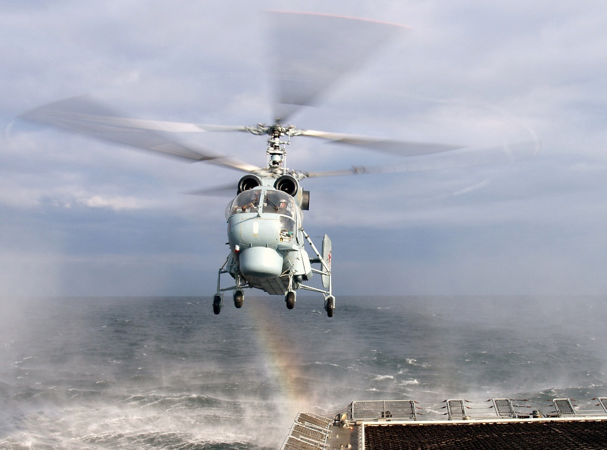 Противолодочный вертолет Ка-27.