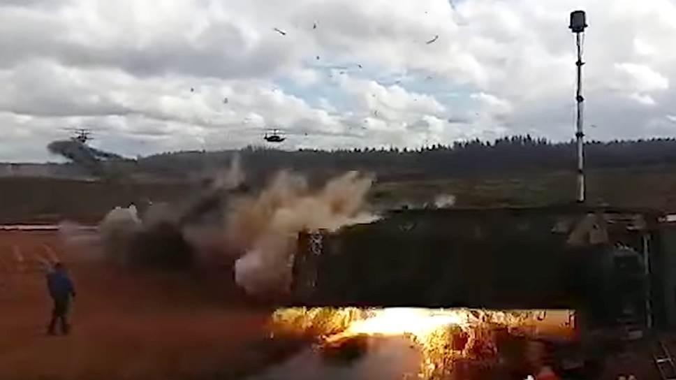 Последствия самопроизвольного схода неуправляемой авиационной ракеты (НАР) с вертолета Ка-52 «Аллигатор».