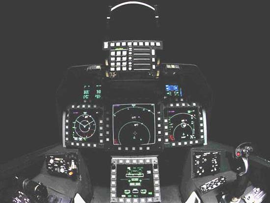 Кабина пилота истребителя F-22.