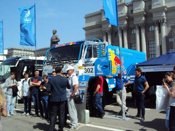 Спортивный грузовик команды «КАМАЗ-мастер» на на выставке «КомАвтоТранс»